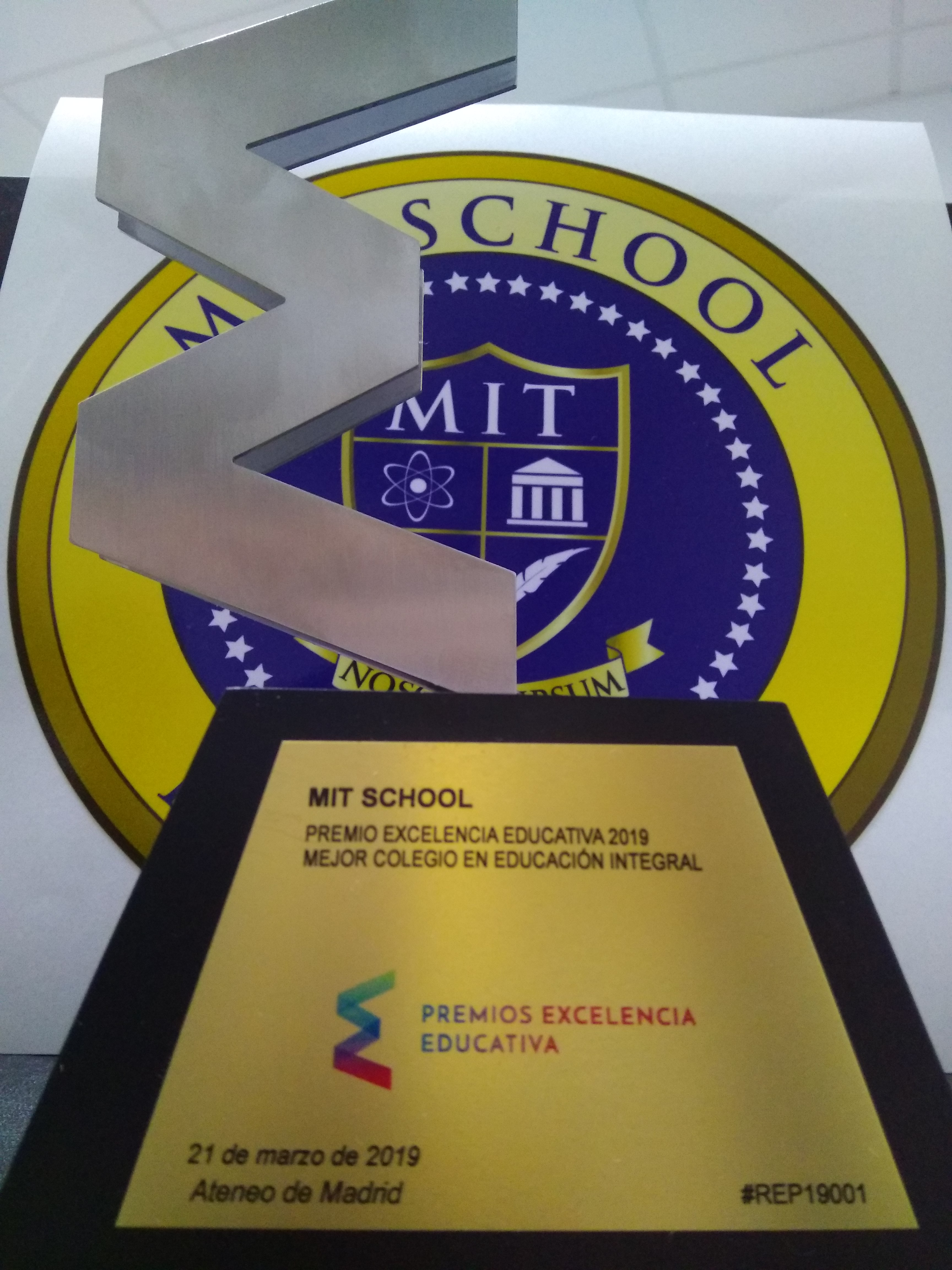 Col MIT Excelencia Educativa